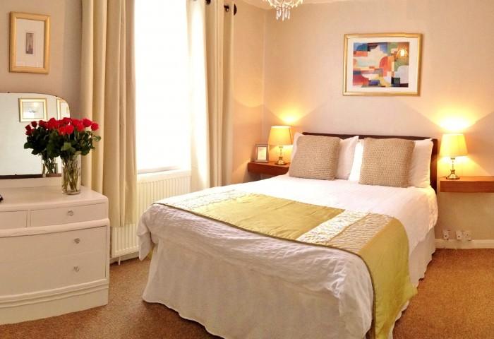 room3-700x480